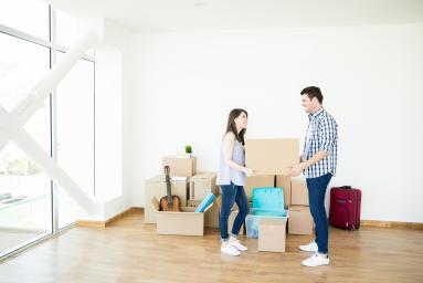 Agence immobilière Lelièvre Immobilier couple déménagement